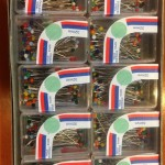 Gombostű üvegfejű 50 db/kis doboz, 20 kis doboz/csomag